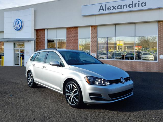 Certified Pre-Owned 2016 Volkswagen Golf SportWagen TSI Limited Edition