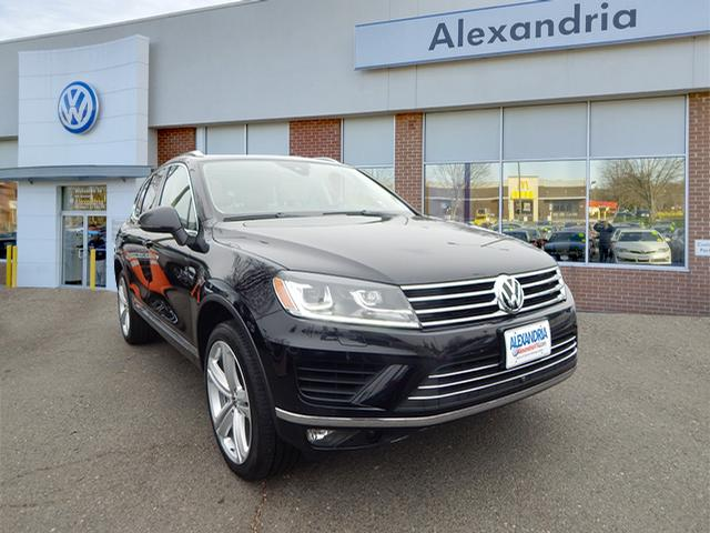 Certified Pre Owned 2017 Volkswagen Touareg V6 Executive